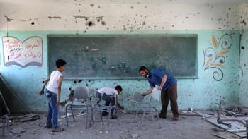 سبعة وسبعون تلميذاً على مقاعد الموت: حتى التعليم .. لم ينجُ