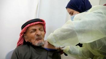 لقاح كورونا في غزة: الخوف من التطعيم يفوق الخوف من الفيروس نفسه
