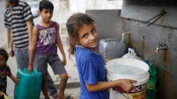آبار عشوائية تستنزف المياه الجوفية في قطاع غزة