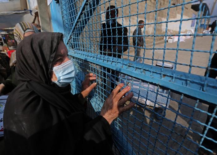 سياسة لي الذراع بين الأونروا واللاجئين إلى أين؟