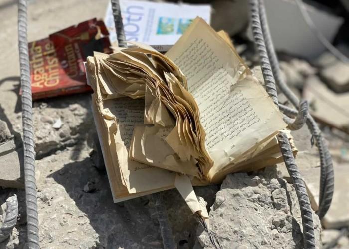 مكتبات غزّة... أجنحة الحالمين المتكسّرة