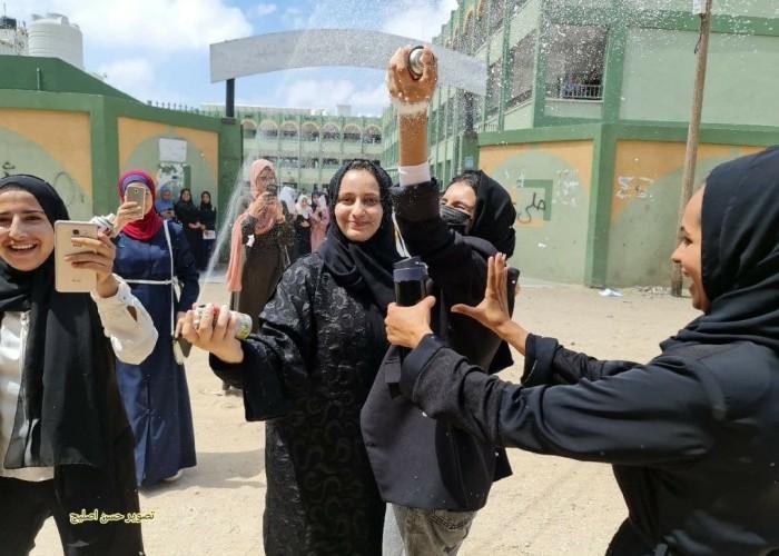 الفقر يضائل فرص التحاق الطلبة بجامعات غزة